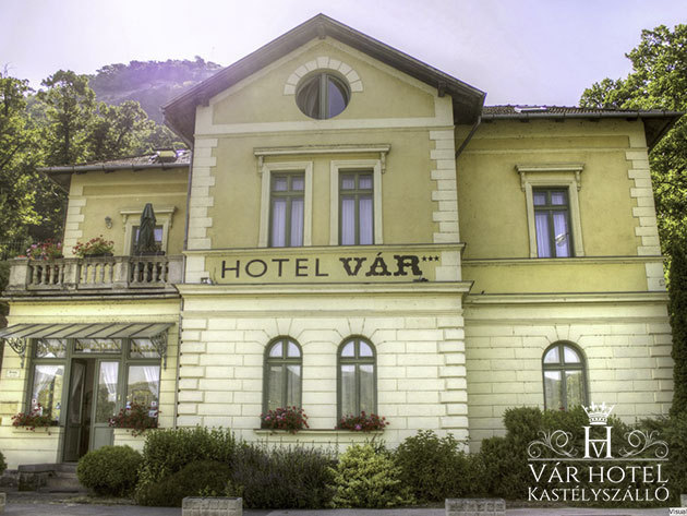 Visegrád, Vár Hotel Kastélyszálló - 3 nap / 2 éjszaka szállás Manzard szobában 2 fő részére félpanziós ellátással és korlátlan wellness használattal