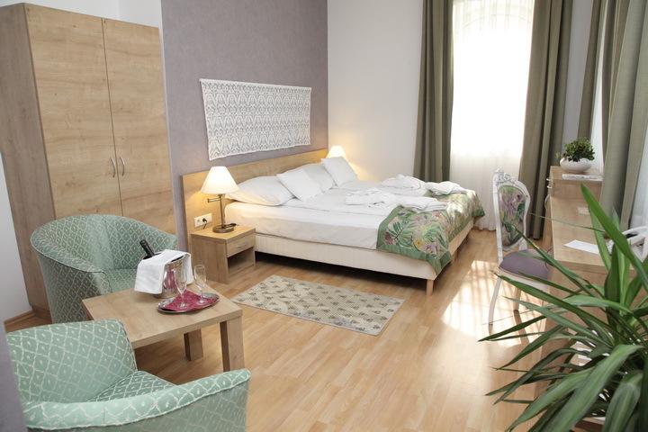 Batthyány Kúria és Golf Resortban**** 3 nap 2 éjszaka 2 fő részére félpanziós ellátással, a wellness részleg korlátlan használata