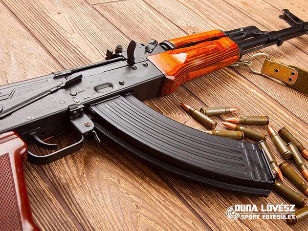 30 lövés Ak 47-el és hogy biztos legyen +10 lövés Dragunovval / fő