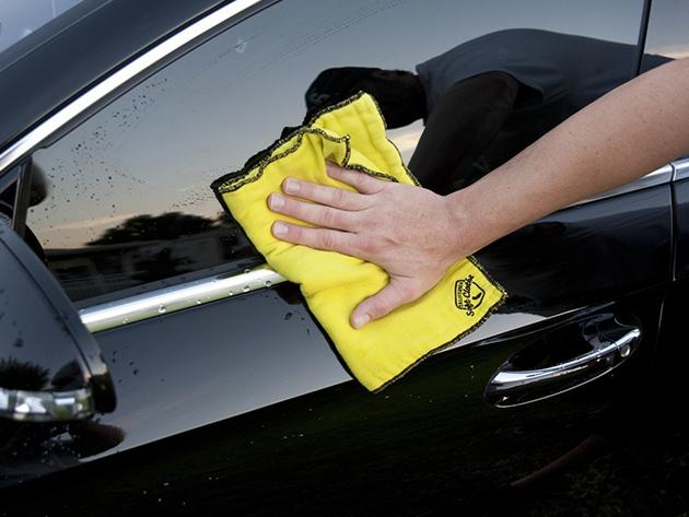Személyautó gépi polírozása, waxolása, külső mosása és belső takarítása