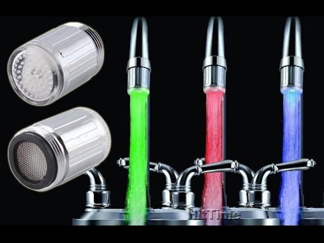 LED-es csapvég hőmérséklet szenzorral - Moss kezet folyékony fényben! Pirosra, kékre vagy zöldre színezi a vízsugarat, a hőmérsékletétől függően