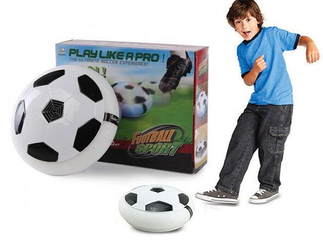 Légpárnás foci - biztonságos játék a lakásban! A speciális labda nem teszi tönkre a bútorokat...