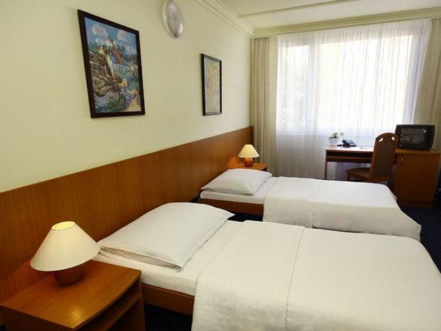 PRÁGA - 3nap/2 éj szállás a Top Hotel Praha****-ban 2 fő számára: reggelis ellátás + korlátlan wellness