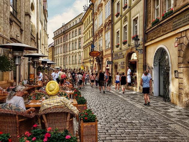 2018. október 19. PRÁGA: non-stop autóbuszos utazás Csehország fővárosába, 1 napos városnézés / fő