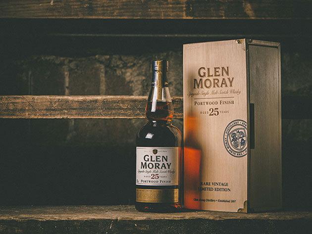 Prémium whisky-k: Glen Moray Single Malt Scotch Whisky, Label 5 Blended Malt Scotch Whisky (12 éves) és Old Virginia (6 éves)
