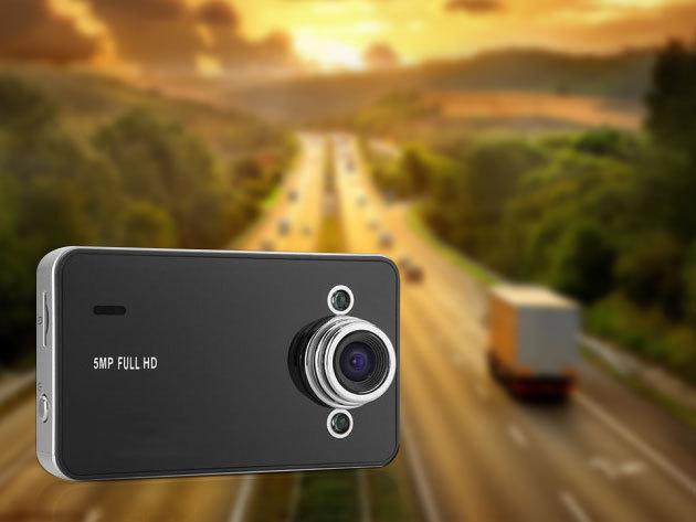 """Autós fedélzeti kamera eseményrögzítéshez, forgalomfigyeléshez - kiváló 5 MP Full HD képminőség, éjszakai üzemmód, 140 fokos látószög, 2.7"""" színes LCD kijelző"""