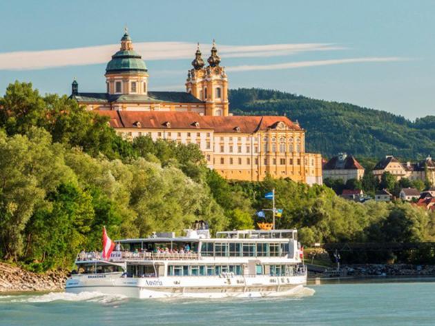 2017. szeptember 30. -  1 napos buszozás és hajózás Wachau vidéken, az UNESCO Világörökség részén (WACHAU, ARTSTETTEN ÉS MELK) / fő