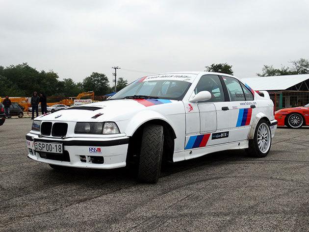 2 fajta BMW E36 rallyval 8 kör élményvezetés