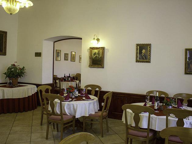 3 nap 2 éjszaka 2 fő részére Standard szobában Vár Hotel Kastélyszálló Visegrád Fp-vel és korlátlan wellness használattal okt. 31-ig,kiv..07.08.-08.31