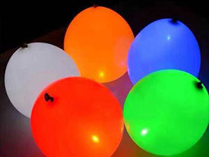 5 darab világító színes lufi gombelemekkel