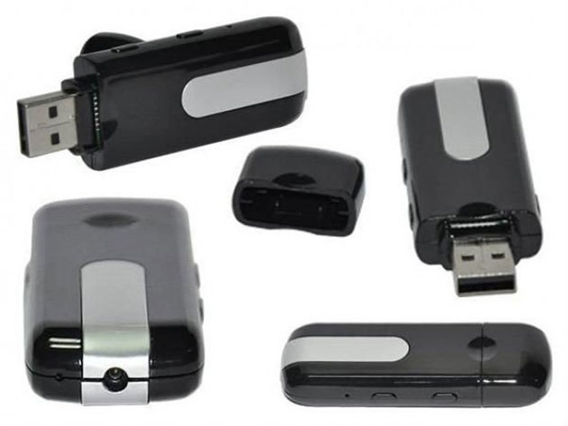 Pendrive-ba rejtett kamera