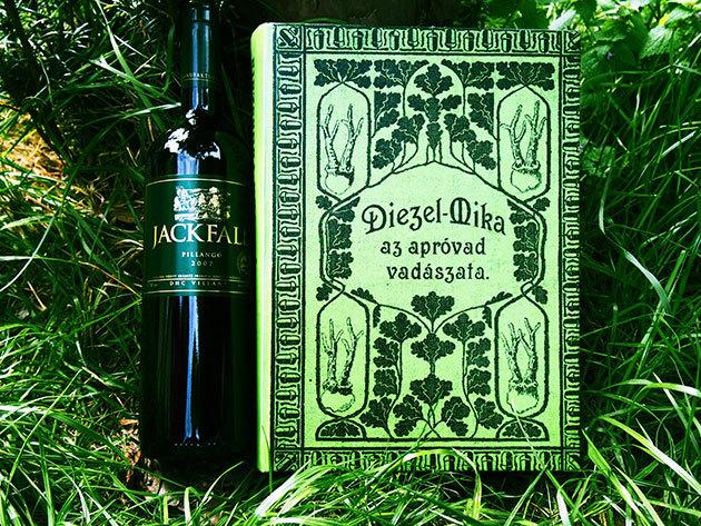 Diezel-Mika: Az apróvad vadászata 1899 könyvritkaság reprint változata + Jackfall 2007 Pillangó bor