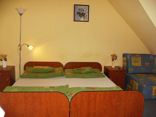 Gyula Jázmin Panzió - 5 nap 4 éjszaka 2 felnőtt + 1 gyermek (max. 10 éves korig)  részére kontinentális reggelivel