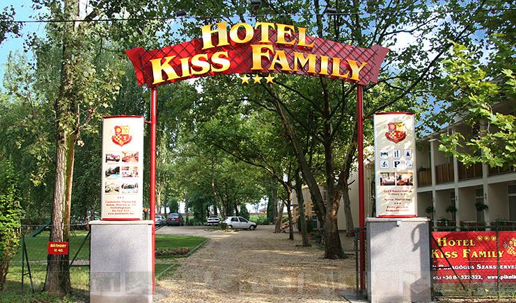 Hotel Kiss Family - 4 nap 3 éj, 2+1 fős szoba 2+1 fő részére: reggeli + wellness (vasárnapi érkezéssel)
