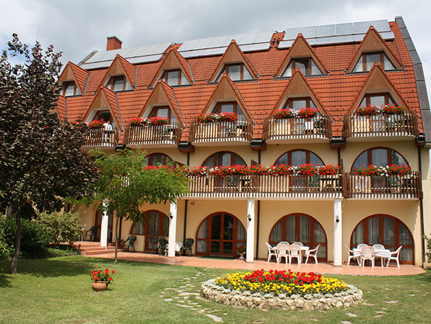 Hévíz, Ágnes Hotel*** - 3 nap/2 éjszaka szállás 2 fő részére reggelivel, wellnesszel HÉTKÖZNAP