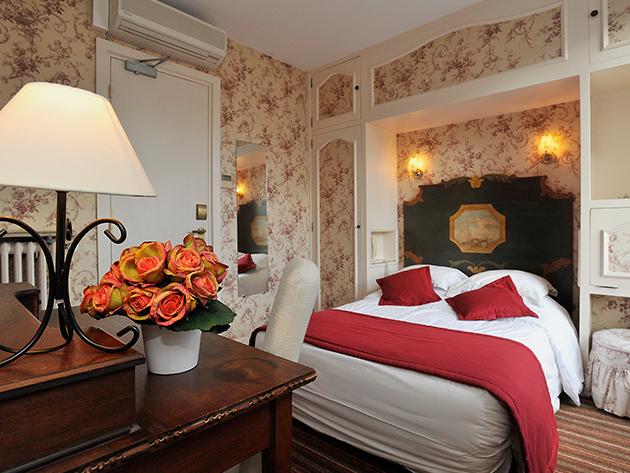 Párizs, hosszú hétvége a Hôtel George Sand-ban: 4 nap / 3 éjszaka 2 fő részére, svédasztalos reggelivel