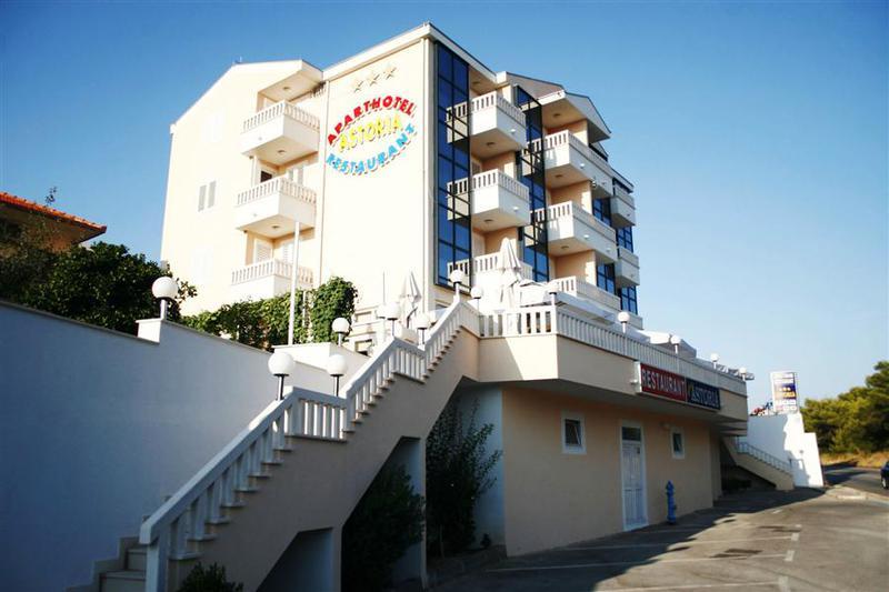 TROGIR, Aparthotel Astoria 3 nap 2 éj 3 fő részére reggelivel