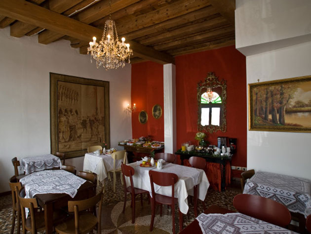 4 nap 3 éjszaka 2 fő részére reggelivel Velence közelében - Relais Alcova del Doge 3*** Superior