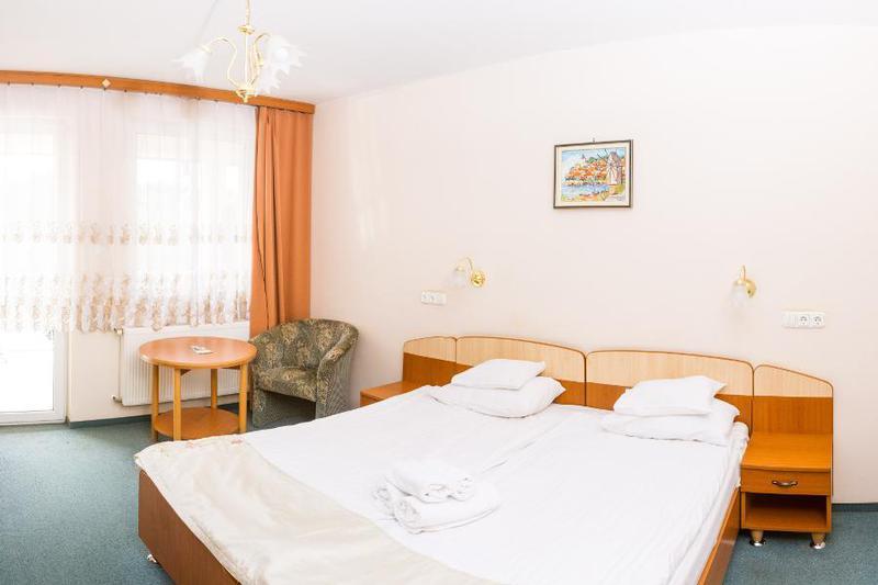 Zalakaros Hotel Venus*** 6 nap 5 éjszaka szállás Standard vagy franciaágyas szobában FÉLPANZIÓS ellátással, wellnesszel 06.15-08.31-ig/ 2fő