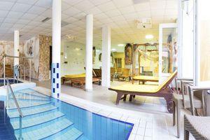 Hotel-venus-superior-belteri-medence-03_middle