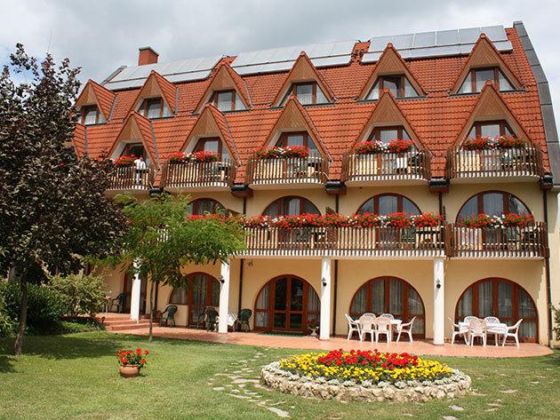 Hévíz, Ágnes Hotel*** - 3 nap/2 éjszaka szállás 2 fő részére reggelivel, wellnesszel, kedvezményekkel