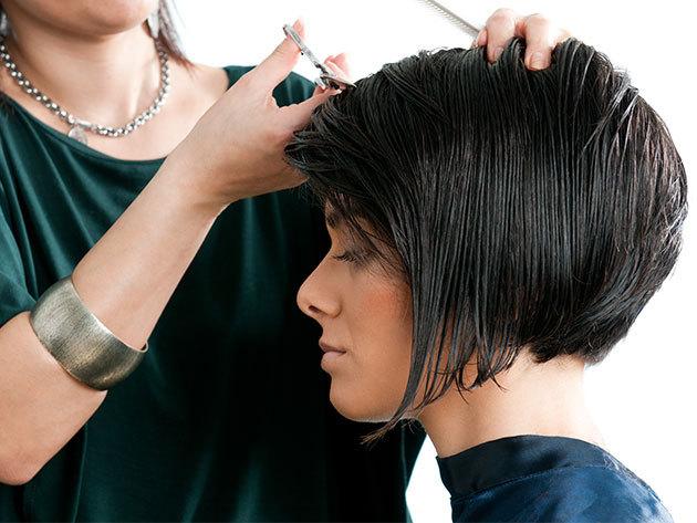 Frizura - melír vagy festés, intenzív regeneráló aragános ápolás, hajvágás és beszárítás maximum vállig érő hajhosszra a Yes Hair Szalonban / II. kerület