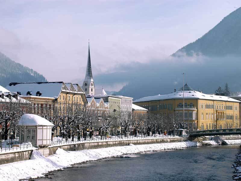 Advent Salzburgban és Bad Ischlben - buszos utazás városnézéssel, 1 éjszaka szállással és reggelivel / 2017. december 2-3.