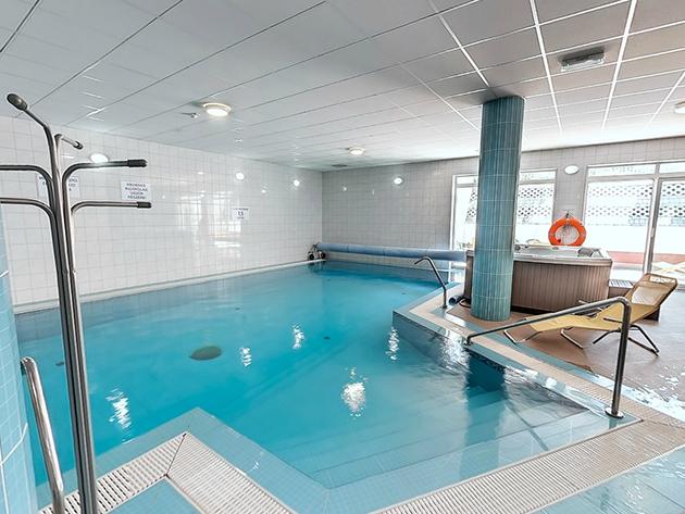Szállás superior kétágyas szobában 2 éjszakára 2 főre + 1 fő (6 év alatti gyermek) hétvégén is, félpanziós ellátás + wellness