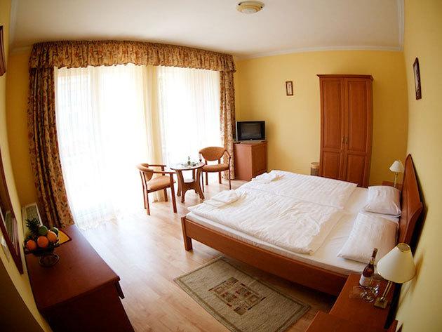 Hajdúszoboszló - élmény és pihenés a fürdő kapujában / Hotel Járja***, 3 nap 2 éjszaka 2 fő részére, félpanziós ellátással és Aqua-Palace belépővel