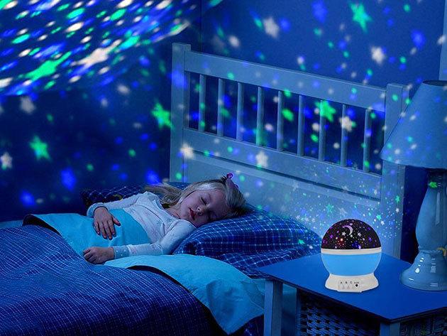 Csillagprojektor - romantikus hangulatvilágítás / éjszakai fény a gyerekszobába, a hálóba, és a nappaliba (STAR MASTER DREAM)