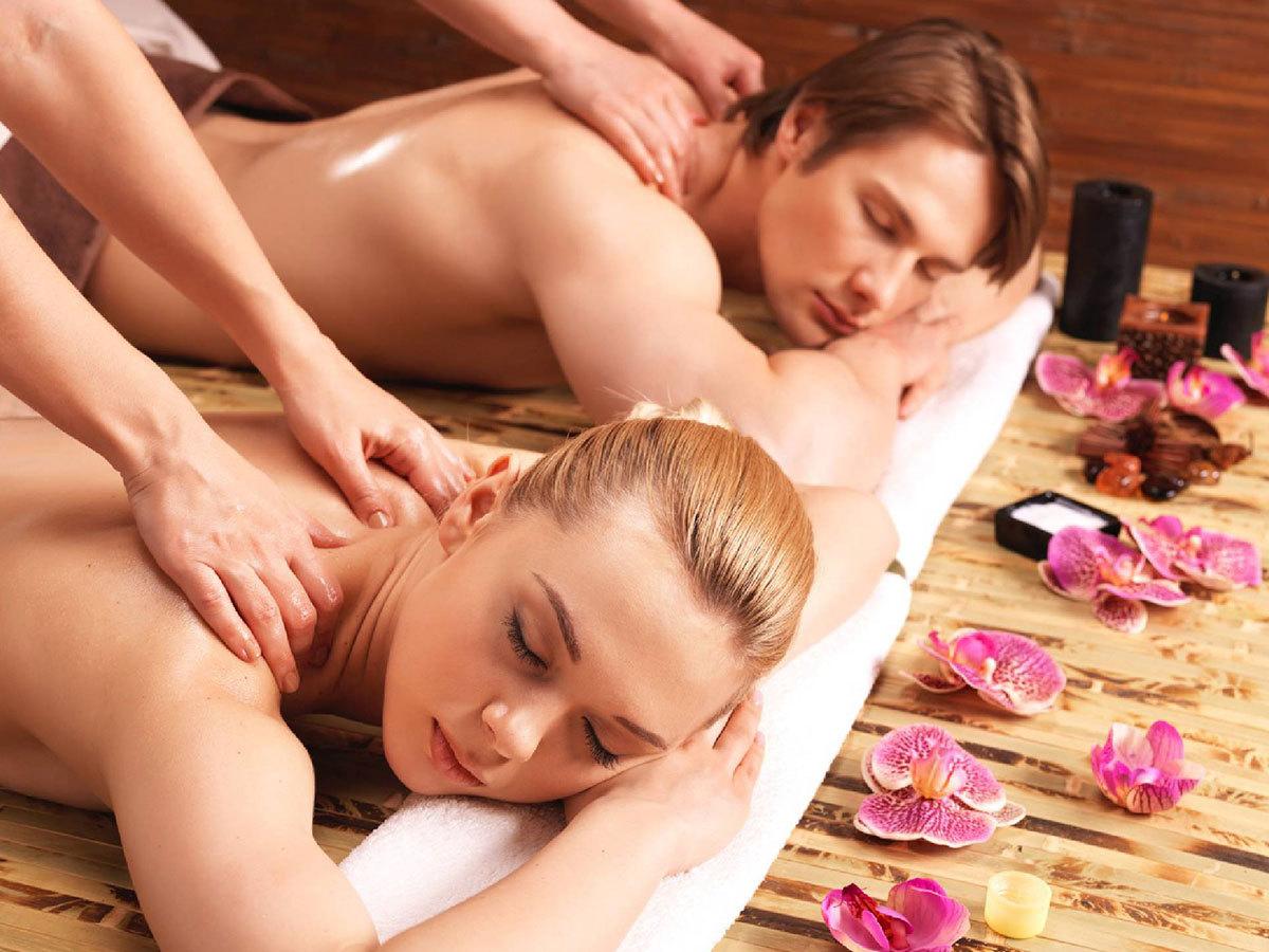 Páros élménymasszázs választható aromaolajjal, Derma Life Spa Jet wellness kabin-os kényeztetéssel (90 perc) / Cascade Wellness & Beauty, III. kerület