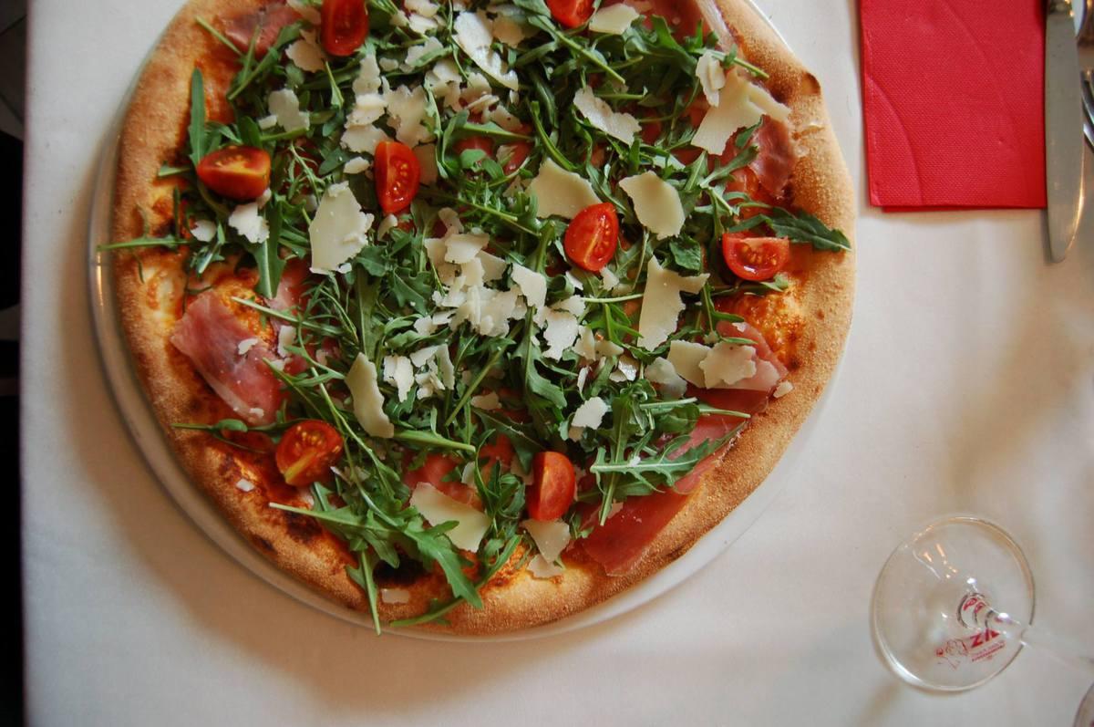 Választható pizza és desszert / fő
