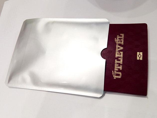 Leolvasás védő tok chip-es útlevélhez (1 db)