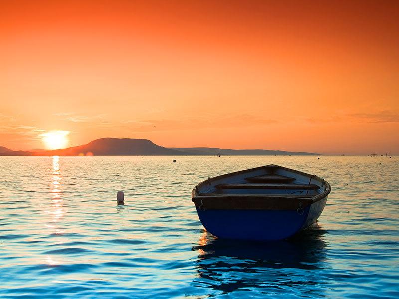 Siófoki szállás: 4 napos elő- vagy utószezoni pihenés Siófok központjában, 3-5 fő részére, önellátással, a parttól 10 perce lévő Gusztilakban