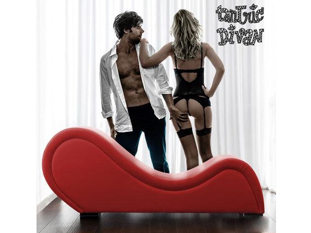 Tantra szék piros vagy fekete színű műbőr borítással - a legideálisabb bútor erotikus kalandjaidhoz... DÍJMENTES SZÁLLÍTÁS!