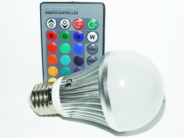 Távirányítós RGB led égő strapabíró házban, 16 előre programozott színnel - teremts hangulatvilágítást otthonodban!