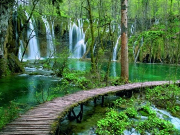 Kirándulás a Plitvicei tavakhoz, a világ egyik legszebb tórendszeréhez! 2018.09.14-15. /fő