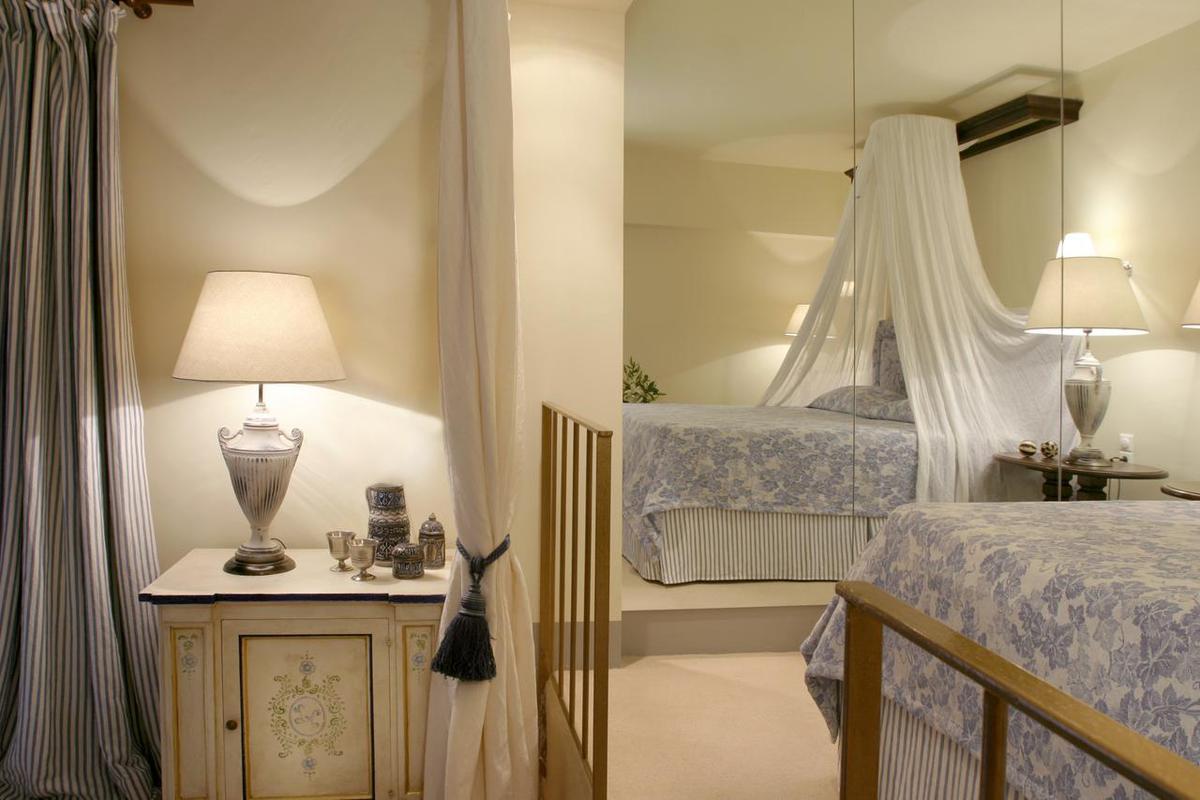 1. csomag: Le Convivial Luxury Suites and Spa***** EXTRA / 6 nap 5 éjszaka 2 fő részére félpanziós ellátással hajókirándulással