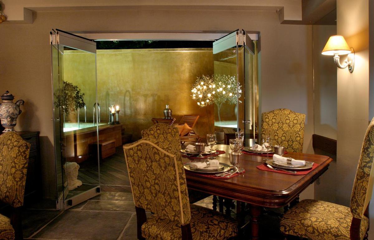 2. csomag: Le Convivial Luxury Suites and Spa***** EXTRA Light / 8 nap 7 éjszaka 2 fő részére félpanziós ellátással