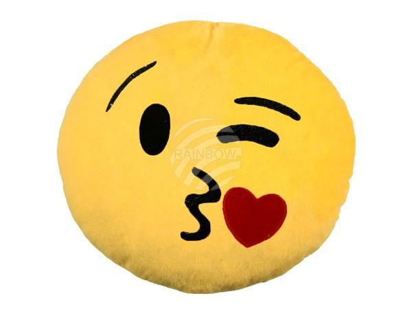 Kacsintós puszis emoji párna RS-KI-03