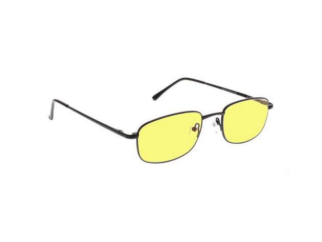Dioptriás szemüveg éjszakai vezetéshez normál színezett lencsével