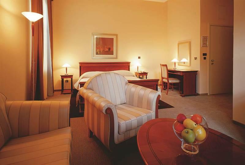 2019.10.01-10.31-ig  Hotel Villa Eugenia**** 8 nap 7 éjszaka 2 fő részére reggelivel