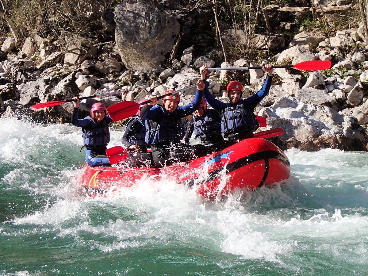 Rafting hétvége Szlovéniában a Socán: 2 éjszaka szállás, 2 félnapos rafting túra, grill vacsora, fotók a kalandról /fő - Családoknak is ajánlott!