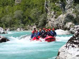 Whitewater-rafting-slovenia-with-hungaroraft---adventure-center-bovec_middle