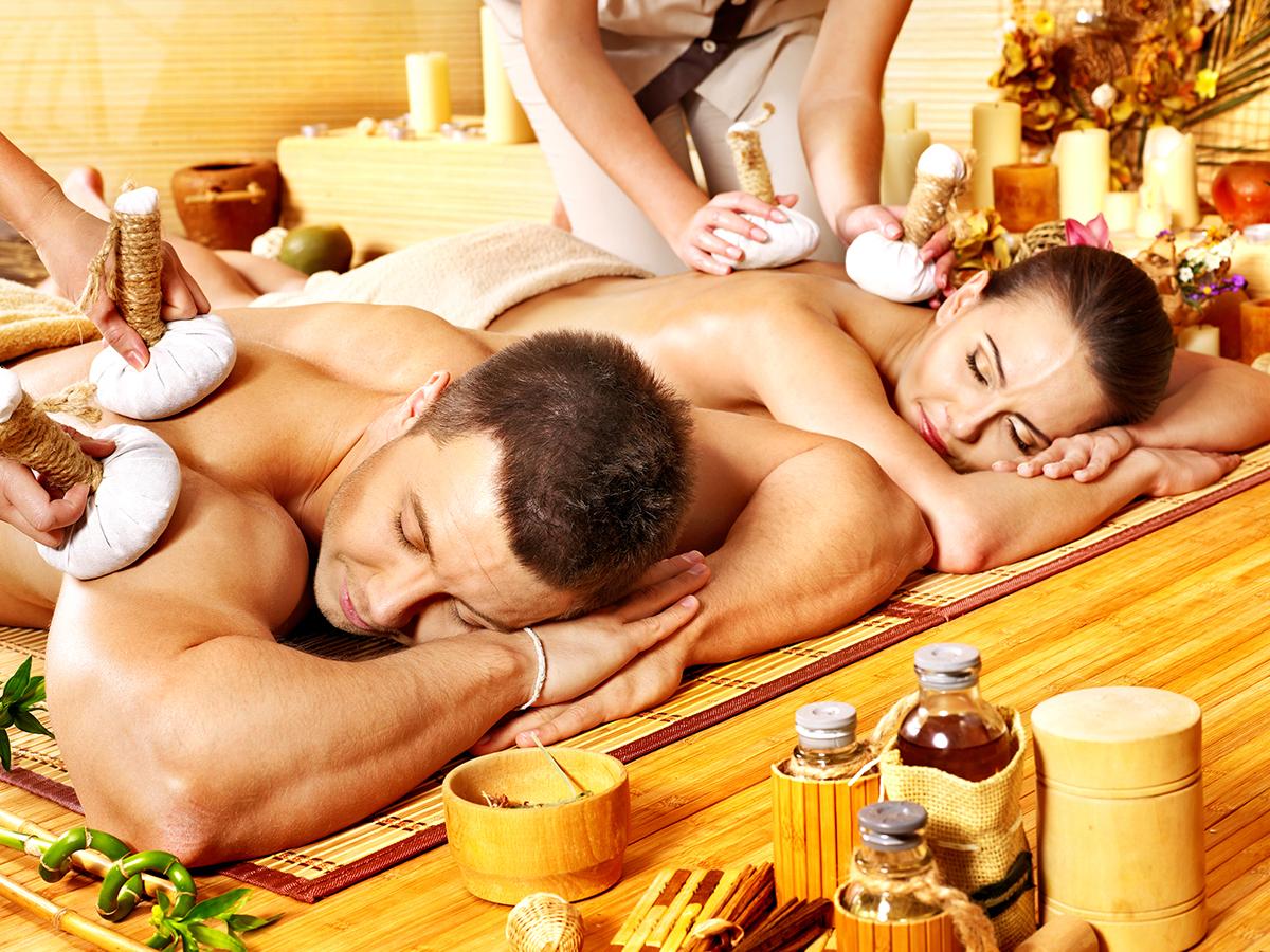 Páros masszázs - Thai Herbal gyógynövény terápiás méregtelenítő masszázs gépi nyirokmasszázzsal 2 főre,60 percben / Cascade Wellness & Beauty, III. kerület