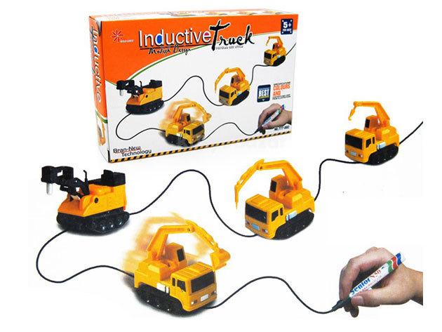 Rajzkövető teherautó - szórakoztató játék, melynek gyermeked tervezheti meg pályáját