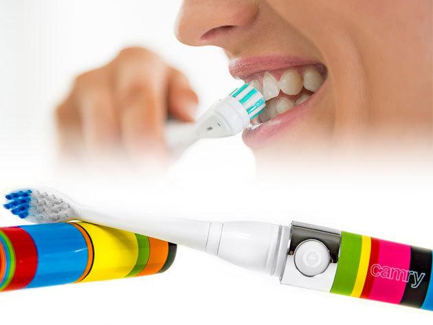 Elektromos fogkefe, 2200 fordulat/perc teljesítménnyel, 2 db pótfejjel, vidám színes nyéllel / Camry - alapos fogmosás az egészséges fogakért és szép mosolyért