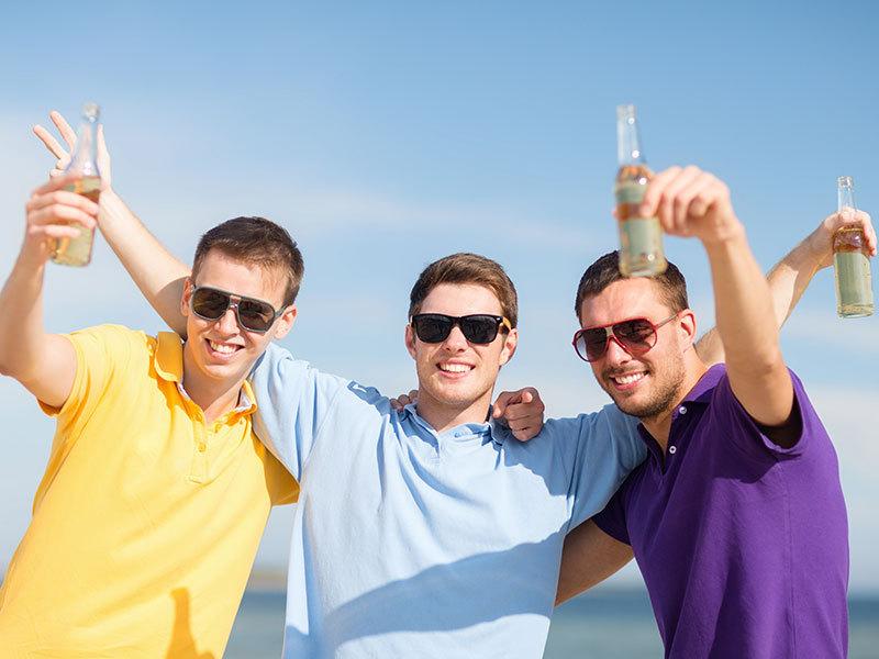 Legénybúcsú a Balatonon: 2 órás hajóbérlés + korlátlan mennyiségű alkoholos italcsomagot / fő