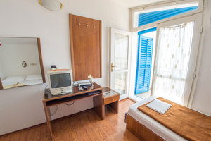 Beach-hotel-anex-room-8_middle