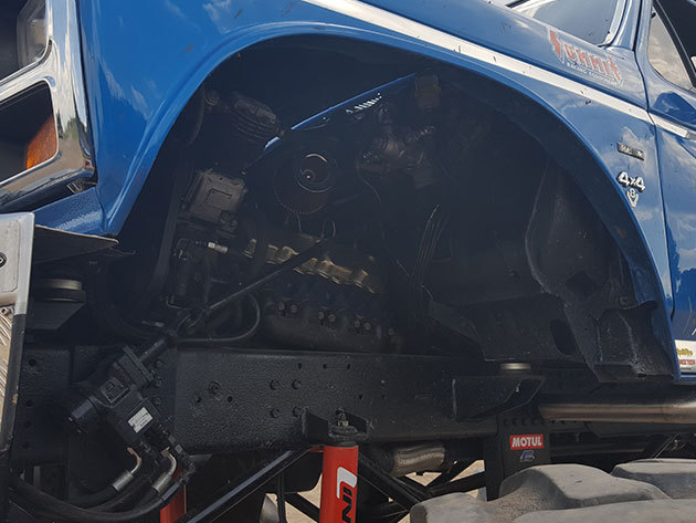 Blue Buffalo Ford 150 Monster Monster Track élmény - 3 körös vezetés